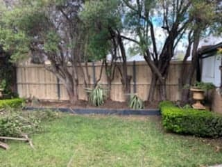 Backyard Fence Contractors - Fencing Quotes Online - Free ...